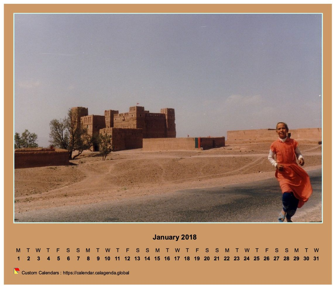 Calendar monthly 2018 horizontal with photo
