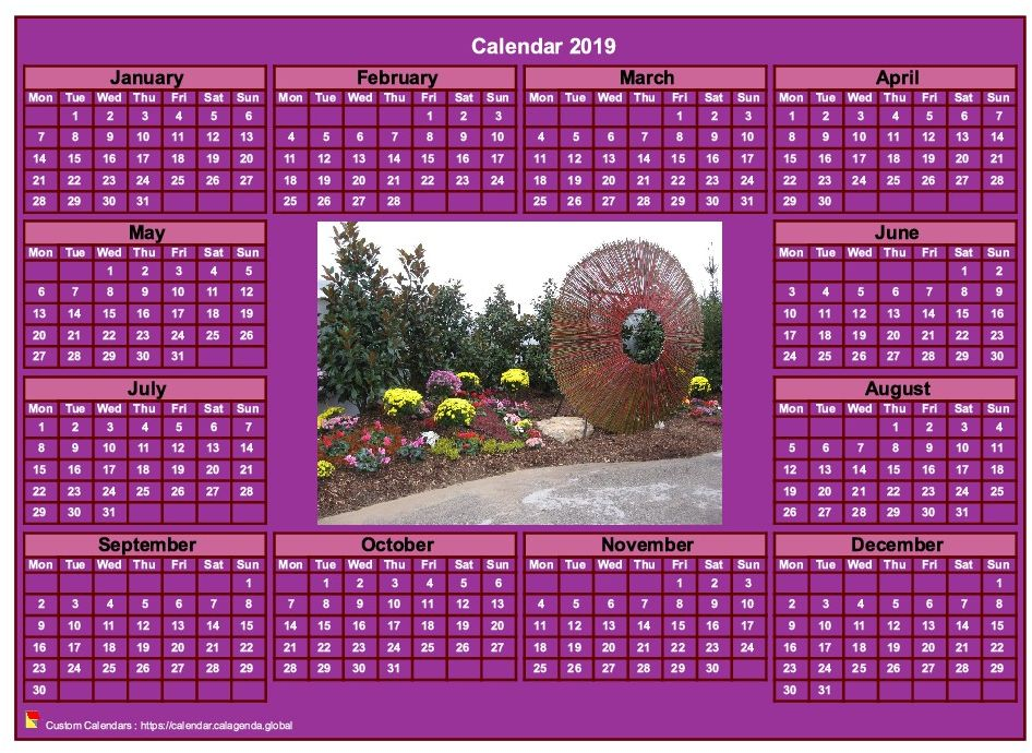 Calendar 2019 photo annual to print, pink background, format landscape, desk or wall
